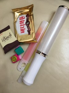 お菓子とペンライト